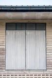 Ξύλινο παράθυρο αρχαίο στο σπίτι ντεκόρ Στοκ φωτογραφία με δικαίωμα ελεύθερης χρήσης