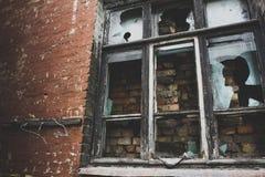 Ξύλινο παράθυρο παραθύρων τουβλότοιχος Στοκ Εικόνα
