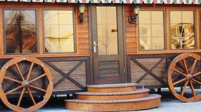 Ξύλινο περίπτερο αγορών Στοκ φωτογραφία με δικαίωμα ελεύθερης χρήσης
