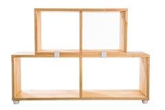 Ξύλινο ράφι εξαρτήσεων που απομονώνεται στο άσπρο υπόβαθρο Στοκ φωτογραφίες με δικαίωμα ελεύθερης χρήσης