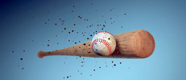 Ξύλινο ρόπαλο του μπέιζμπολ που χτυπά μια σφαίρα Στοκ Εικόνα
