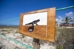 Ξύλινο σημάδι που προστατεύει μια κλειστή να τοποθετηθεί περιοχή, Galapagos Στοκ Φωτογραφία