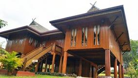 Ξύλινο σπίτι μπανγκαλόου Στοκ Εικόνες