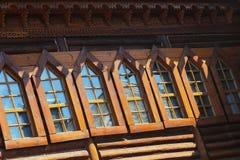 Ξύλινο σπίτι παραθύρων Στοκ εικόνα με δικαίωμα ελεύθερης χρήσης