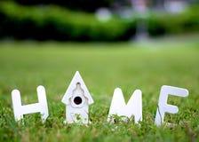 Ξύλινο σπίτι - σπίτι Στοκ Φωτογραφίες