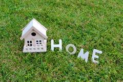 Ξύλινο σπίτι - σπίτι Στοκ Φωτογραφία