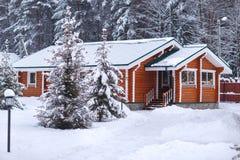 Ξύλινο σπίτι eco Στοκ εικόνα με δικαίωμα ελεύθερης χρήσης