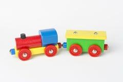 Ξύλινο τραίνο παιχνιδιών στοκ εικόνα με δικαίωμα ελεύθερης χρήσης