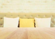Ξύλινο υπόβαθρο καφετεριών πινάκων και εστιατορίων Στοκ φωτογραφίες με δικαίωμα ελεύθερης χρήσης
