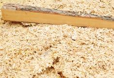 Ξύλινο υπόβαθρο σωρών πριονιδιού Στοκ Φωτογραφίες