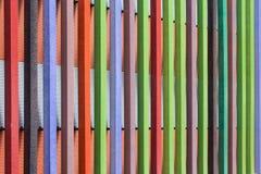 Ξύλινο υπόβαθρο τέχνης Δημιουργική ζωηρόχρωμη ταπετσαρία Αποκατεστημένη παλαιά ξύλινη σύσταση Ξύλινη επιτροπή φρακτών επιφάνειας  Στοκ Εικόνες