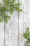 Ξύλινο υπόβαθρο Χριστουγέννων με το δέντρο έλατου Τοπ διάστημα αντιγράφων άποψης Στοκ φωτογραφίες με δικαίωμα ελεύθερης χρήσης