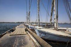 Ξύλινο felucca βαρκών στον ποταμό του Νείλου σε Aswan, Αίγυπτος, ο Βορράς AF Στοκ Εικόνα
