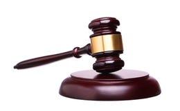 Ξύλινο gavel δικαστών και soundboard απομονωμένος στο λευκό στοκ φωτογραφίες