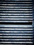 Ξύλινο louver στην οικοδόμηση στοκ εικόνα