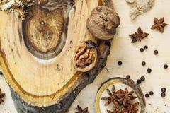 Ξύλο καρυδιάς και γλυκάνισο Στοκ Εικόνες