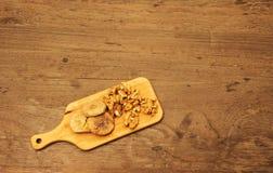 Ξύλο καρυδιάς και ξηρό σύκο στοκ φωτογραφία με δικαίωμα ελεύθερης χρήσης