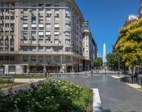 Οβελίσκος και πλατεία Lavalle στο στο κέντρο της πόλης Μπουένος Άιρες - το Μπουένος Άιρες, Αργεντινή Στοκ φωτογραφία με δικαίωμα ελεύθερης χρήσης