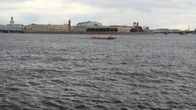 οβελός νησιών vasilevsky Πετρούπολη Ρωσία ST απόθεμα βίντεο