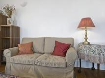 ογκώδης καναπές λεπτομέρ& Στοκ εικόνα με δικαίωμα ελεύθερης χρήσης