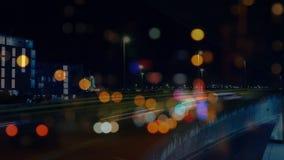 Οδήγηση αυτοκινήτων γρήγορα στο δρόμο πόλεων απόθεμα βίντεο