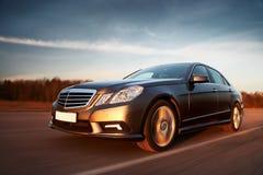 οδήγηση αυτοκινήτων γρήγ&om Στοκ εικόνες με δικαίωμα ελεύθερης χρήσης