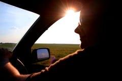 οδήγηση ημέρας ηλιόλουσ&tau Στοκ Εικόνες