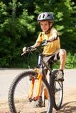 οδήγηση κατσικιών ποδηλά&ta Στοκ Φωτογραφία