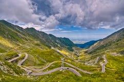Οδήγηση μέσω των σύννεφων στοκ φωτογραφία