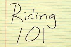 Οδήγηση 101 σε ένα κίτρινο νομικό μαξιλάρι Στοκ Εικόνα