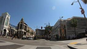 Οδήγηση στο Drive ροντέο στο Μπέβερλι Χιλς - ΛΟΣ ΑΝΤΖΕΛΕΣ ΗΠΑ - 18 ΜΑΡΤΊΟΥ 20 απόθεμα βίντεο