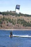 οδηγώντας αέρας ποταμών κουκουλών surfer Στοκ Εικόνες