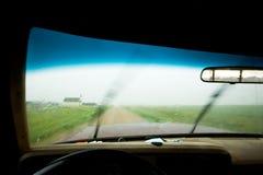 οδηγώντας βροχή στοκ φωτογραφία με δικαίωμα ελεύθερης χρήσης