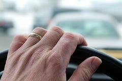 Οδηγώντας χέρια στοκ φωτογραφίες