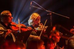 ΟΔΗΣΣΟΣ, ΟΥΚΡΑΝΙΑ - 24 ΙΑΝΟΥΑΡΊΟΥ 2019: Συναυλία συμφωνικών ορχηστρών στη σκηνή θεάτρων Μουσικοί της κρατικής συμφωνικής ορχήστρα στοκ φωτογραφίες με δικαίωμα ελεύθερης χρήσης