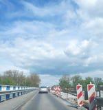Οδικές εργασίες Ανακαίνιση στην εθνική οδό στοκ φωτογραφία με δικαίωμα ελεύθερης χρήσης