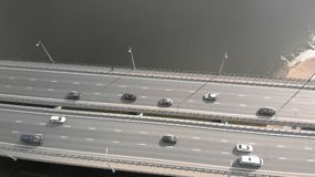 Οδική γέφυρα, εναέριο μήκος σε πόδηα από ένα copter φιλμ μικρού μήκους