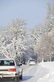 οδικός χειμώνας αυτοκι&nu Στοκ φωτογραφίες με δικαίωμα ελεύθερης χρήσης