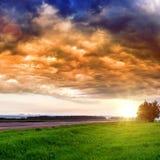 οδικό ηλιοβασίλεμα στοκ φωτογραφία με δικαίωμα ελεύθερης χρήσης