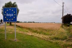 Οδικό σημάδι που δείχνει τα σύνορα του Βελγίου Στοκ Εικόνες
