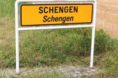 Οδικό σημάδι πόλεων του Schengen στοκ εικόνες με δικαίωμα ελεύθερης χρήσης