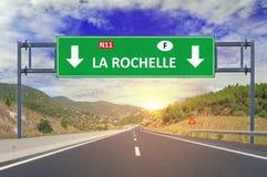 Οδικό σημάδι του Λα Ροσέλ στην εθνική οδό Στοκ εικόνες με δικαίωμα ελεύθερης χρήσης