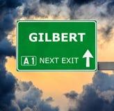 Οδικό σημάδι του GILBERT ενάντια στο σαφή μπλε ουρανό στοκ φωτογραφία με δικαίωμα ελεύθερης χρήσης
