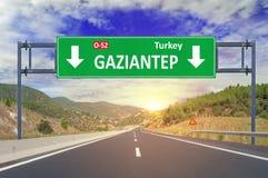 Οδικό σημάδι Gaziantep στην εθνική οδό Στοκ εικόνες με δικαίωμα ελεύθερης χρήσης