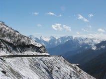 οδικό χιόνι βουνών Στοκ Φωτογραφία