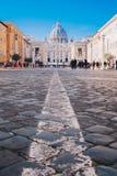 Οδοί πόλεων της Ρώμης στη βασιλική πόλεων του Βατικανού και του ST Peters εστίαση στοκ εικόνες