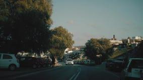 Οδοί της Κρήτης Οδηγώντας αυτοκίνητα και μηχανικά δίκυκλα απόθεμα βίντεο