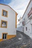 Οδοί της παλαιάς πόλης τουριστών Mertola Πορτογαλία στοκ εικόνες