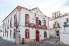 Οδοί της παλαιάς πόλης τουριστών Mertola Πορτογαλία στοκ εικόνα