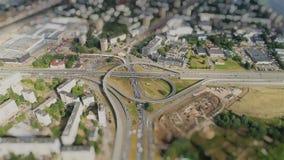 Οδογέφυρα Timelapse κηφήνων γεφυρών κυκλοφορίας οδικών αυτοκινήτων Tiltshift  απόθεμα βίντεο